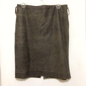 "Dresses & Skirts - Moda Intl. womans S 16"" waist flat leather shirt"